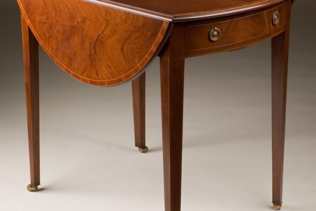 Fine English Pembroke Table