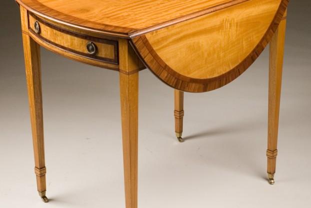 Reproduction Pembroke Table