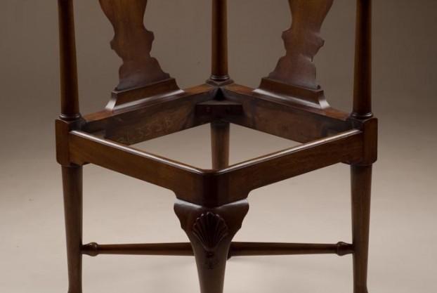 Reproduction Mahogany Corner Chair