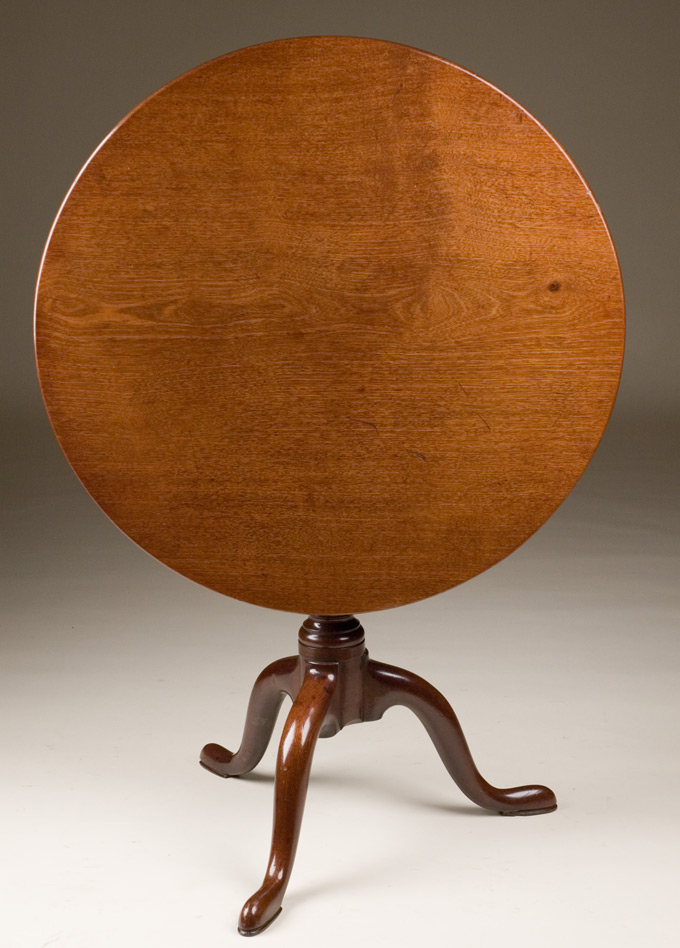 Captivating 18th Century English Tilt Top Table