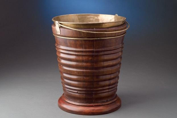 Dutch Peat Bucket
