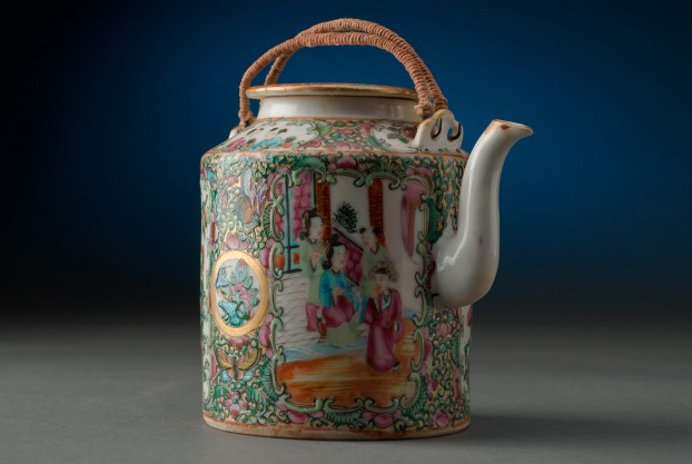 Chinese Cantonese Tea Pot