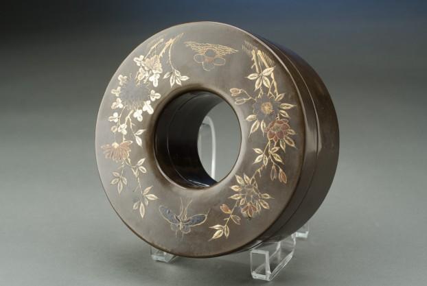 Papier-mâché Circular Box
