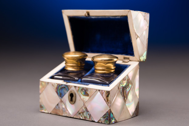 Mother of Pearl Abalone Box