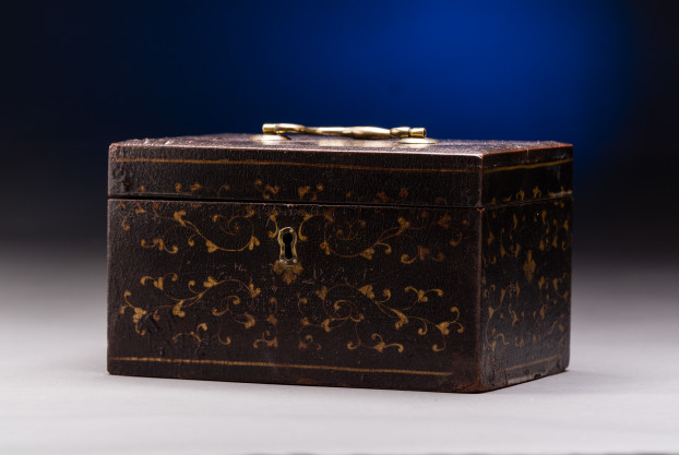 Black Lacquered Tea Caddy