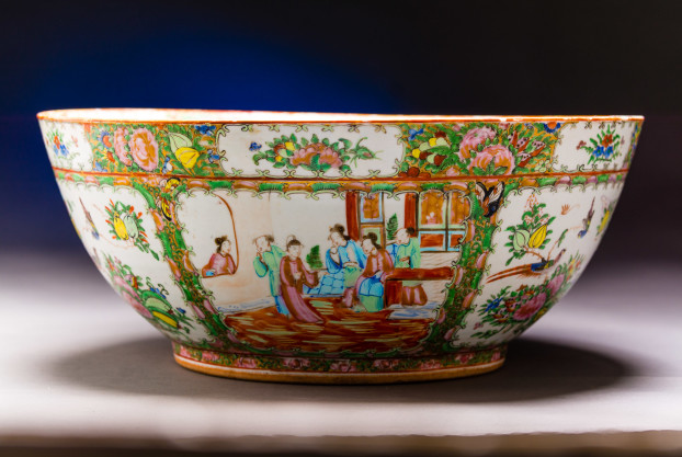 Rose Medallion Chinese export Punch Bowl
