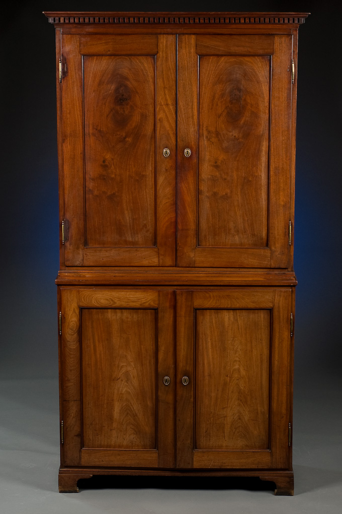 - English Antique Cabinet