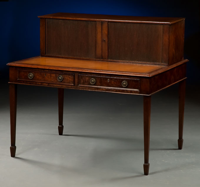 - English Antique Writing Desk